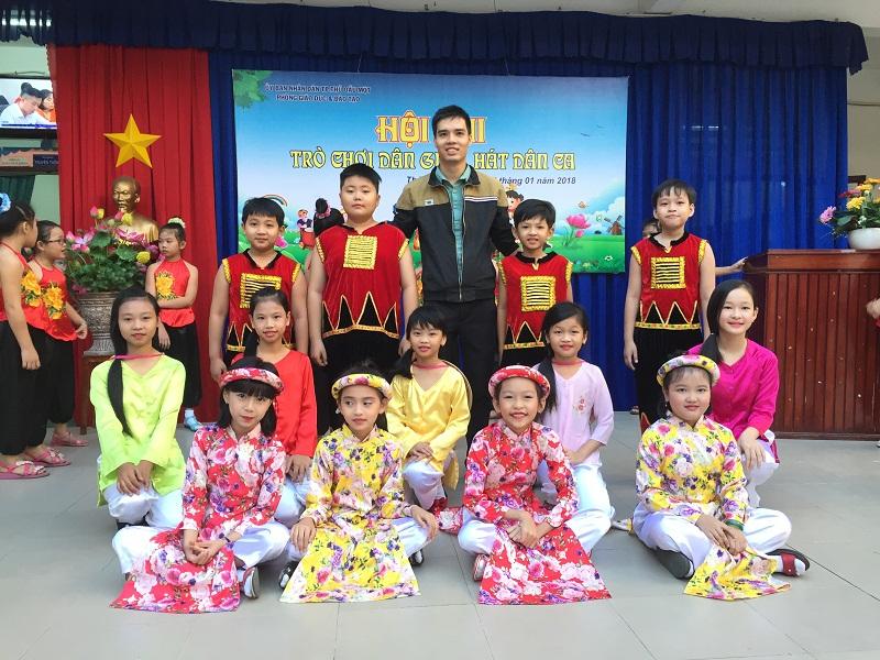 Đội văn nghệ Phú Hòa 3
